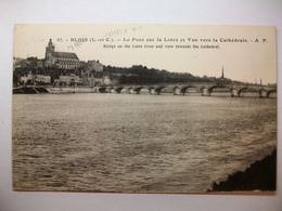 Carte Postale Blois (41) Le Pont Sur La Loire Et Vue Vers La Cathedrale (Petit Format Oblitérée 1946 Timbre 6 Francs ) - Blois
