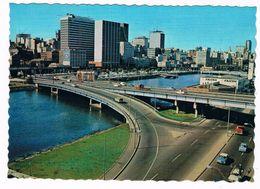 AUS-301   MELBOURNE : Kings Bridge Freeway And Melbourne Skyline Overlooking The Yarra River - Melbourne