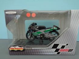 Moto Honda 125 Cc RS Pilote 26 Ivan Goi Marque Majorette échelle 1/18 ème Réf 17 - Motorcycles