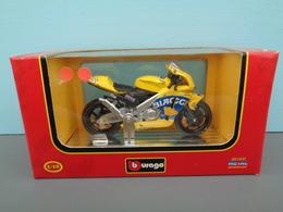 Moto Honda Pons RCV 211 Pilote 3 Max Biaggi Marque Burago échelle 1/18 ème Réf 20 - Motorcycles