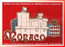 SUPER PIN'S PRINCIPAUTE De MONACO : PALAIS PRINCIER En ZAMAC 3mm épaisseur, Base Or, Signé CF FIA LYON, 4X3,6cm - Cities