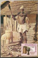 Zimbabwe ** & Postal, African Witch Doctor With Mozambique Stamp 1985 (70799) - Zimbabwe