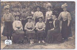 BOURGES- CARTE-PHOTO- 9 ELEGANTES AVEC CHAPEAUX - PHOTO RETY A BOURGES- 1907 - Bourges