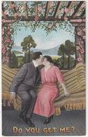Kussend Stel ; Man &  Woman Kissing - 'Do You Get Me?' - Koppels