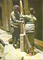 CPM - WOMEN MAKING BITTEN RICE TRADITIONALLY - Edition Locale - Nepal