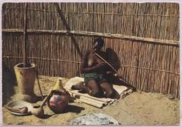 CPM - BECHUANALAND - FEMME JOUANT A L'ARC MUSICAL (femme Aux Seins Nus) - Edition Pub - Botswana