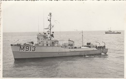 DRAGUEUR DE MINES  , Marine Royale Belge ,M913 ,( Nieuport , Ostende ) Fotokaart , Photocarte - Guerre
