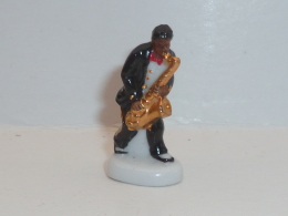 FEVE SAXOPHONISTE - Characters