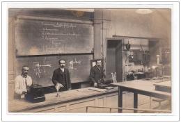 PARIS : Carte Photo D'une Salle De Classe De La Sorbonne Vers 1910 (sciences) - Très Bon état - Distretto: 05