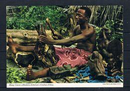 (2405) AK Kenya - Holzschnitzer - Kenia