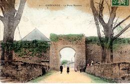Cp 44_GUERANDE - La Porte Bizienne - Animation éloignée - Guérande
