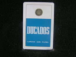 Playing Cards / Carte A Jouer/1 Dos De Cartes,Inscription  Publicitaire / Cigarettes - Malboro Ducados Largos Con Filtro - Cigarette Holders