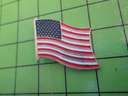 414A Pin's Pins / Beau Et Rare : Thème AUTRES / DRAPEAU USA Pays Jadis Sympathique - Pin's