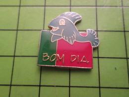 417 Pin's Pins / Beau Et Rare : Thème ANIMAUX / POISSON MORUE BOM DIA PORTUGAL Sorti De La CDM2018 Tchao Ronaldo . - Animals