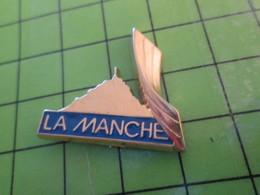 512F Pin's Pins / Beau Et Rare : Thème VILLES / MONT ST MICHEL MANCHE Pas Bretagne Par PICHARD SAUMUR - Cities