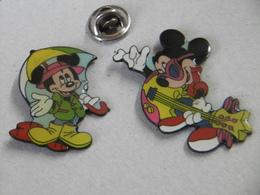 Pin's - DISNEY MICKEY - Lot De 2 Pin 's - Badges