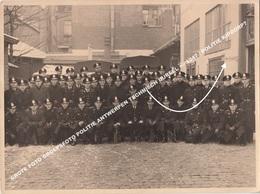 GROTE FOTO GROEPSFOTO POLITIE ANTWERPEN TECHNISCH BUREEL +/- 1947 / POLITIE KIPDORP? - Antwerpen