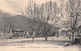 DIGNE  - La Place Gassendi Et Kiosque De La Musique - Digne