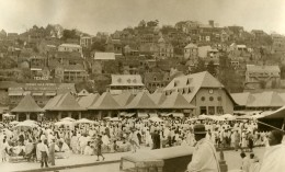 Vue Animee De Madagascar Tananarive Jour De Marche Ancienne Photo 1937 - Africa