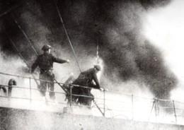 Cote Tunisienne WWII Navire De Guerre Allie En Feu Ancienne Photo 1943 - War, Military