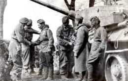 WWII Wismar Troupes Britanniques Et Russes Tank Ancienne Photo 1945 - Guerre, Militaire