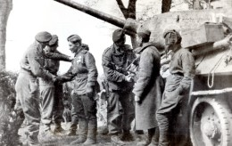 WWII Wismar Troupes Britanniques Et Russes Tank Ancienne Photo 1945 - War, Military