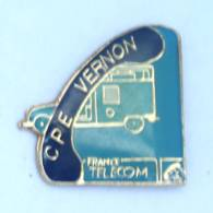Pin's France Télécom - CPE VERNON (27) -  Combiné Téléphone Et Camionnette - H229 - France Telecom