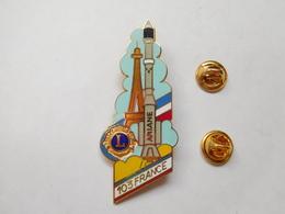 Superbe Big Pin's En EGF , Lions Club , Fusée Ariane , Tour Eiffel , Espace - Space