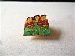 PINS  CCAS 3ème AGE EPERNAY 51 MARNE / 33NAT - Administrations