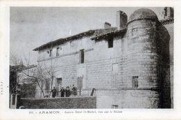 Aramon. Ancien Hôtel St-Michel, Vue Sur Le Rhône. - Aramon