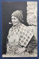 CPA 29 - CMCB 372 - Femme Fumant La Pipe - Coutumes, Moeurs Et Costumes Bretons - France