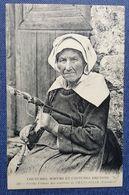 CPA 29 - CMCB 380 - Vieille Femme Des Environs De CHATEAULIN - Coutumes, Moeurs Et Costumes Bretons - Châteaulin