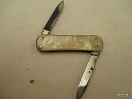 Canif  Blanc  Nacre Lime    Tres Bon état - Knives/Swords