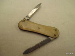Canif  Blanc    Lime    Tres Bon état - Knives/Swords
