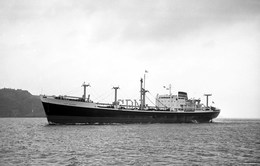 7X5 PHOTO OF CLAN MACGOWAN HEADING FOR CORK - Boats