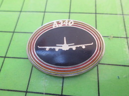 713b Pin's Pins / Beau Et Rare : Thème AVION AVIATION / AIRBUS A340 Par PICHARD SAUMUR - Airplanes