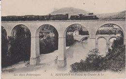 Cpa   SISTERON Viaduc Du Chemin De Fer-train-les Alpes Pittoresques-maison - Sisteron