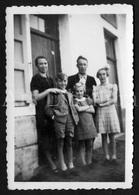 Photo Ancien / Foto / Photograph / Photo Size: 6.20 X 9 Cm. / Family / Stambruges / Famille Haubourdin - Personnes Identifiées