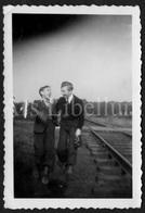 Photo Ancien / Foto / Photograph / Photo Size: 6.10 X 9 Cm. / Boys / Garçons / Georges Haubourdin / Stambruges / 1945 - Personnes Identifiées