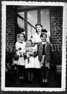 Photo Ancien / Foto / Photograph / Photo Size: 6.10 X 9 Cm. / Famille Haubourdin / Stambruges / 1943 - Personnes Identifiées
