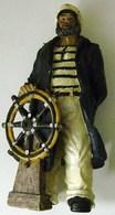 Statuette En Resine Marin Breton - Figurines