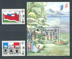 234 SEYCHELLES 1989 - Yvert 699/700 BF 34 - Bicentenaire Drapeau Tour - Neuf ** (MNH) Sans Trace De Charniere - Seychelles (1976-...)