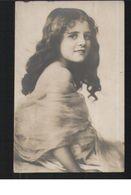 ENFANT / Fillette / Petite Fille  Dentelle BEAUTIFUL LITTLE GIRL With Laces - Children