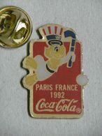 Pin's - Perroquet PARIS FRANCE COCA-COLA - Animals