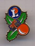 """{07253} Pin's """" Leclerc , Décoration Noël """".            """" En Baisse """" - Trademarks"""