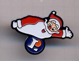 """{07196} Pin's """" Leclerc , Père Noël """" (a).   """" En Baisse """" - Trademarks"""