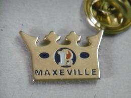 Pin's - Magasin Commerce LECLERC à MAXEVILLE - Couronne De La Galette Des Rois - Trademarks