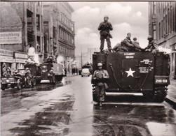 FRIEDRICHSTREET, US ARMY ON THE ALERT-BERLIN WALL PHOTO SIZE 9x7CM CIRCA 1965- BLEUP - Places