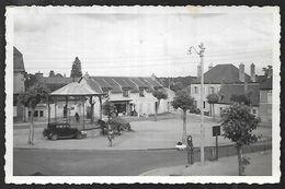 Cpsm 0315431 Dompierre Sur Besbre^place Du Kiosque , Landau Voiture Années 30 Boulangerie - France
