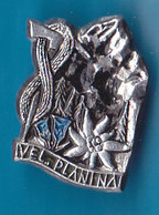 VELIKA PLANINA Alpinism, Mountaineering, Edelweiss Slovenia Pin - Alpinism, Mountaineering